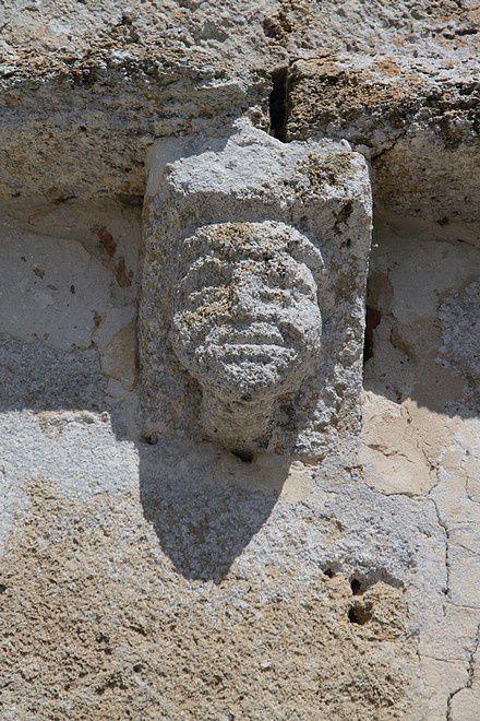 Diaporama église fortifiée de Lesgor