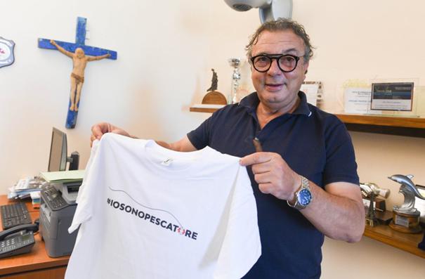 """Salvatore Martello, maire de Lampedusa : """"La Méditerranée a été abandonnée par les États européens"""""""