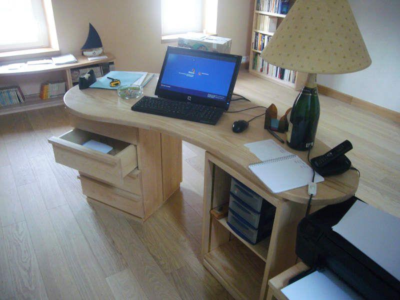 bureau installé et détails de fabrication