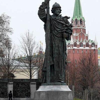 Poutine doit-il être traité comme un tsar ou un secrétaire général de plus?
