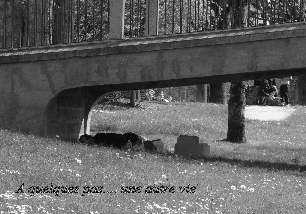 """Comme toujours, pour les amoureux de notre patrimoine de pierre, petit cadeau avec une vue pas spécialement facile à """" dénicher """"..."""