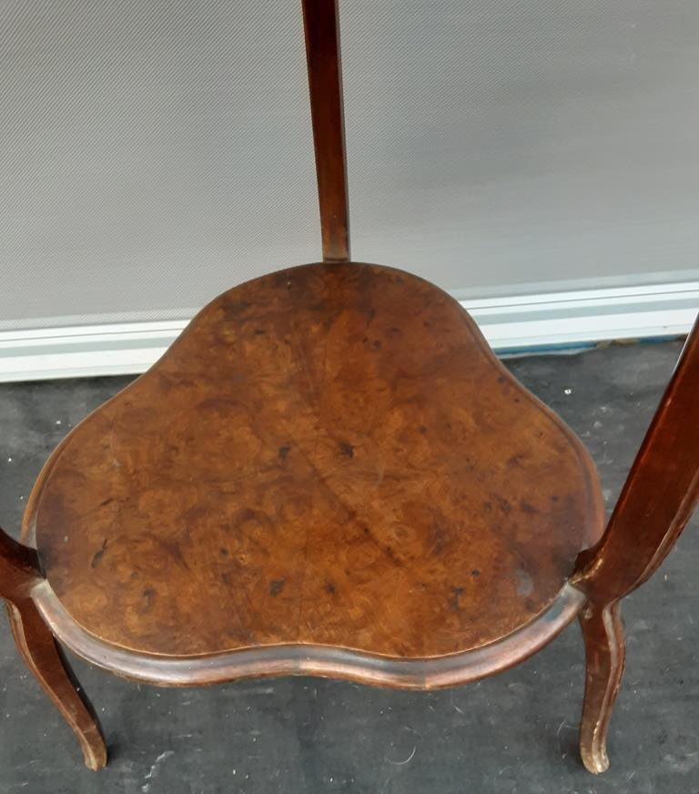 TABLE DE SALON ART NOUVEAU PLATEAUX TRILOBES TREFLES - 120 euros