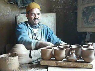 Artisan Potier sur la route de Marrakech à Essaouira