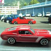 67 CUSTOM MUSTANG HOT WHEELS 1/64 - FORD MUSTANG 1967 - car-collector.net