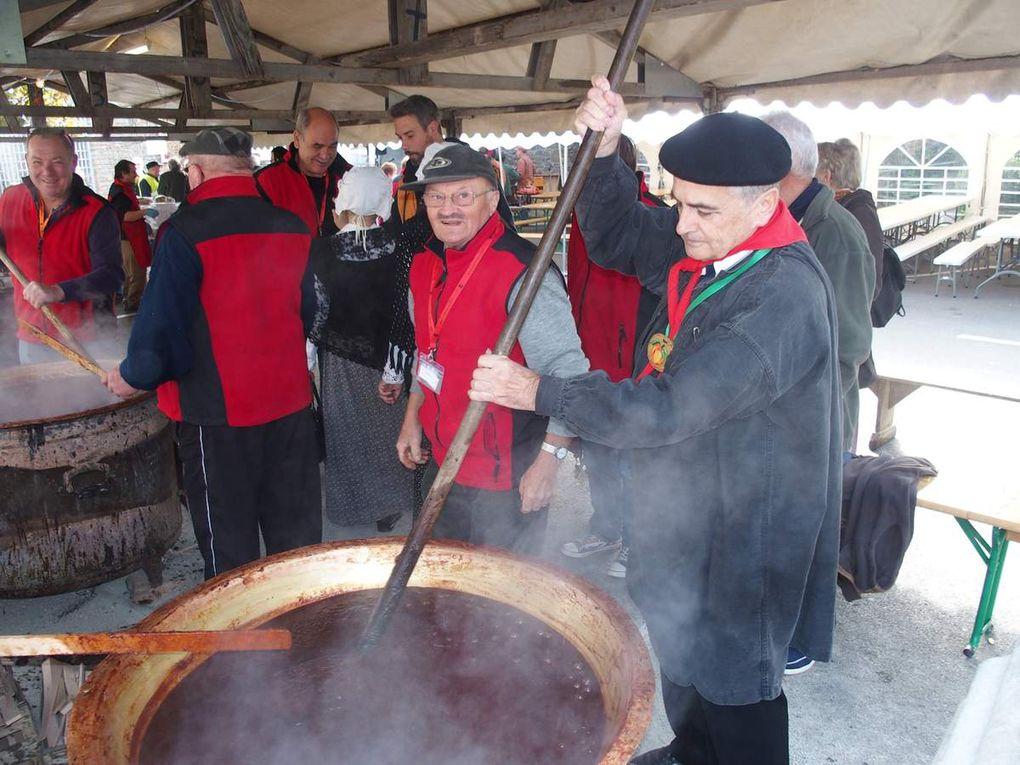 Les Fins Goustiers à la 37e fête du pommé à Bazouges-la-Pérouse en 2015.