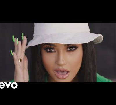 Becky G - Green Light Go; Lyrics, Paroles, Traduction,Music, (Official Video) | Worldzik