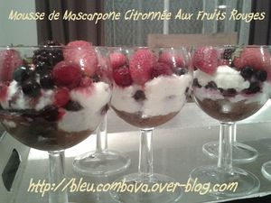 Mousse de Mascarpone Citronnée aux Fruits Rouges