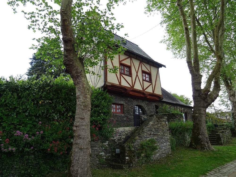 """ROCHEFORT EN TERRE Une des plus belles """"petites cités de caractère"""" de Bretagne"""
