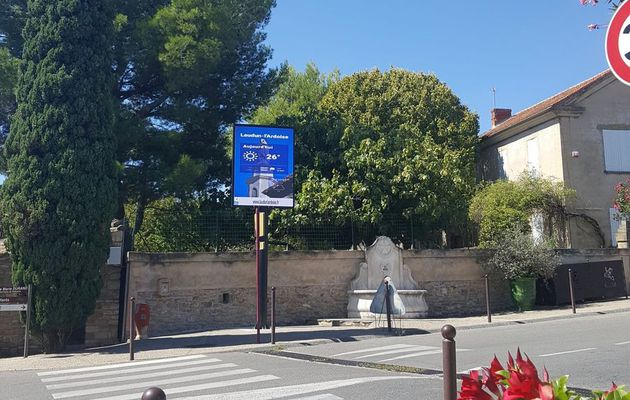 Mise en service de deux panneaux lumineux à Laudun et à l'Ardoise