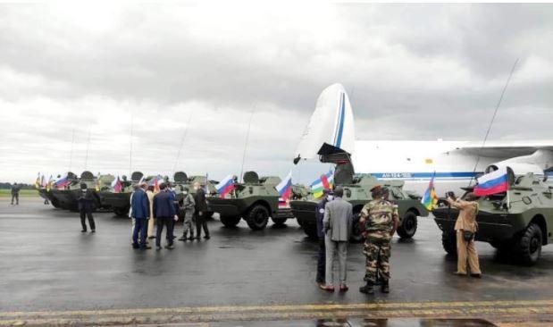Les Véhicules Blindés Légers (VBL) russes arrivent à Bangui