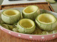 Courgettes rondes farcies aux légumes d'été