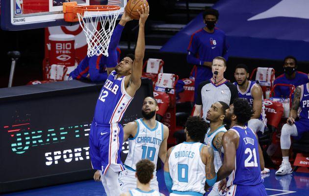 Les Sixers signent une quatrième victoire d'affilée en battant à nouveau les Hornets