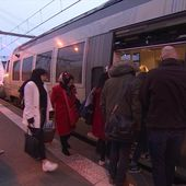 En Aquitaine, toujours des difficultés sur les lignes TER - Le journal de 13h   TF1