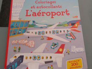 coloriages et autocollants l'aéroport Editions Usborne
