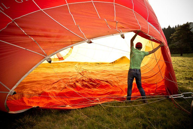 Vol en montgolfière au-dessus du Puy-de-Dôme avec l'équipe des Quatre Vents. Merci à notre pilote pour ce beau voyage !