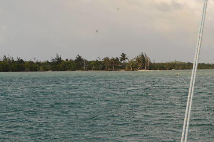 Guam , pas beaucoup de photos ,le mouillage devant le yacht club