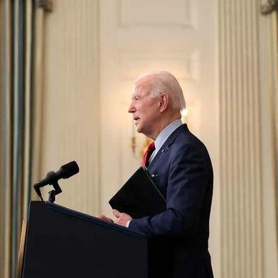 Fusillade dans le Colorado : Joe Biden réclame l'interdiction des fusils d'assaut
