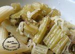 Cardes poêlées à l'huile d'olives et râpé sur pâtes
