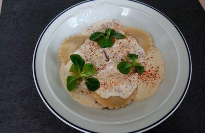 Ravioles de foie gras, crème à l'oignon rouge de Cyril Lignac