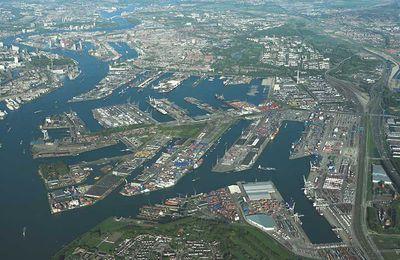 Rotterdam : entre métropolisation et littoralisation des activités