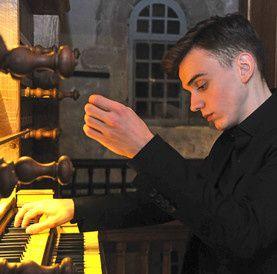 thomas ospital, un organiste français pour qui l'improvisation tient une place importante dans sa pratique musicale
