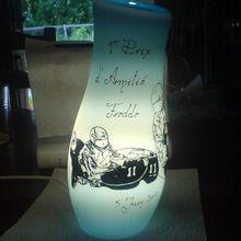1606- Détail  lampe en verre (voir 1605)     Fr.  90.--