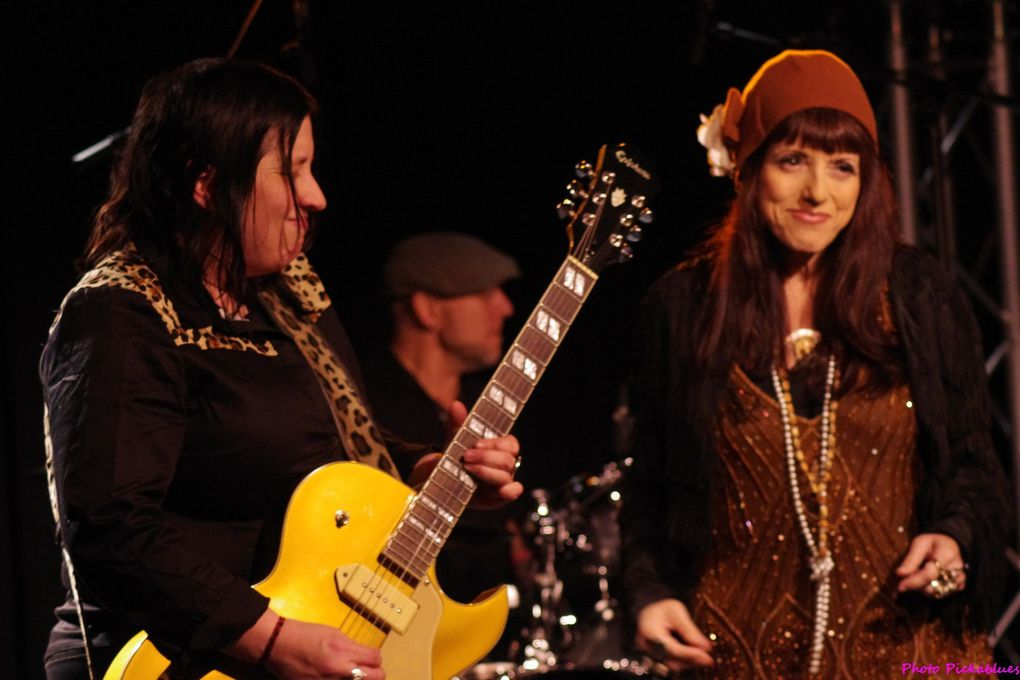 Candye Kane & Laura Chavez - 22 mars 2015 - Festival Mars en Blues - La Boite à Musiques, Wattrelos (59)