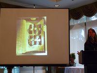 Barbara Hodgson présente Wundercabinet en 2011 (crédits © Alcuin Society)
