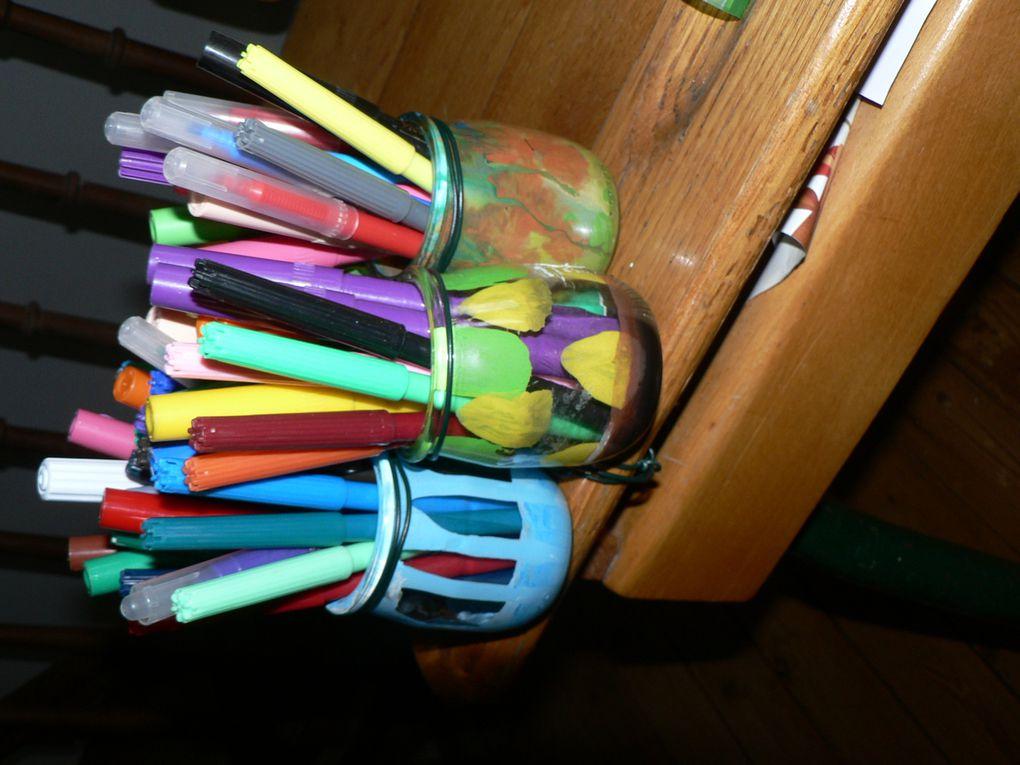 Album - Pots-a-crayons-colores