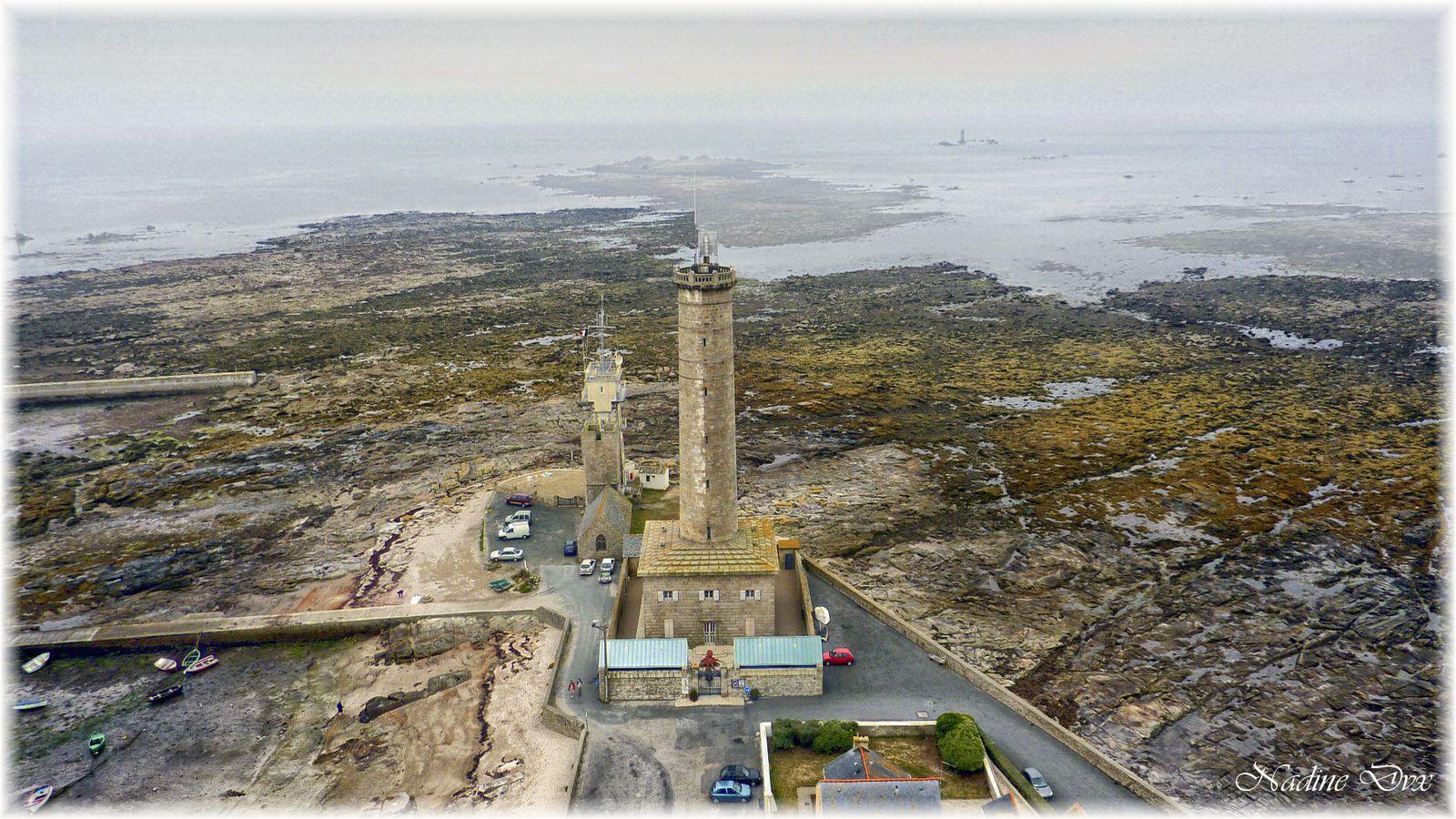 Vues du haut du phare d'Eckmühl, jour de brume