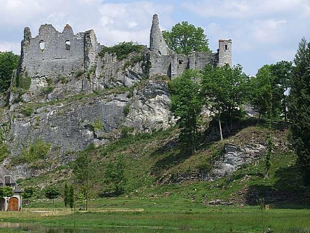 Diaporama château de Montaigle