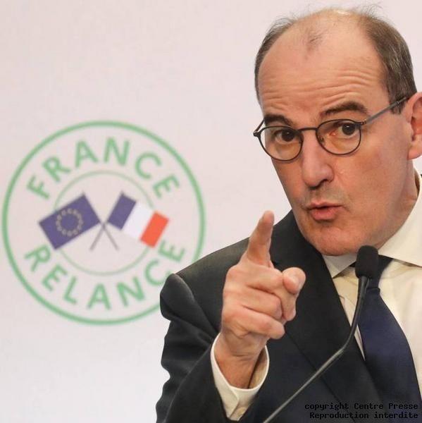 La France sous couvre-feu à 18h, statu quo à l'école, fonds de solidarité. Les annonces de Jean Castex