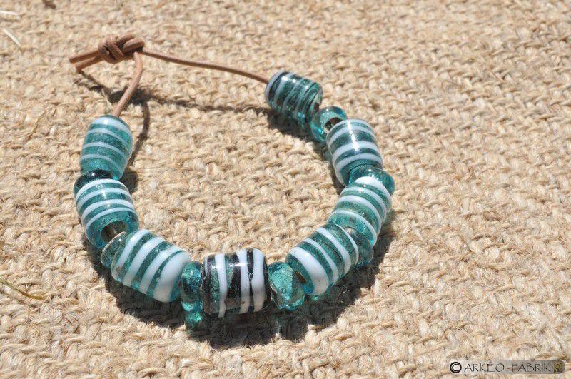 Perles en verre, Bronze final-Âge du Fer.