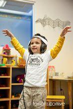 le chant plaisir, le chant éducatif et la  rééducation de l'oreille