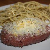 Steak gratiné au parmesan et spaghettis au pesto - MON MARAÎCHER A LA CASSEROLE