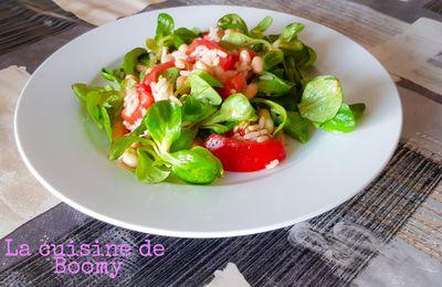 Salade de mâche au riz et aux haricots blancs