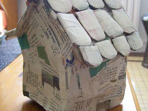 La maison en pain d'épices avec Hansel et Gretel : la fabrication de l'armature