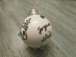 Je réalise des boules de Noël pour le Téléthon !