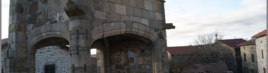 Le porche de la prévôté à la Roche en Régnier