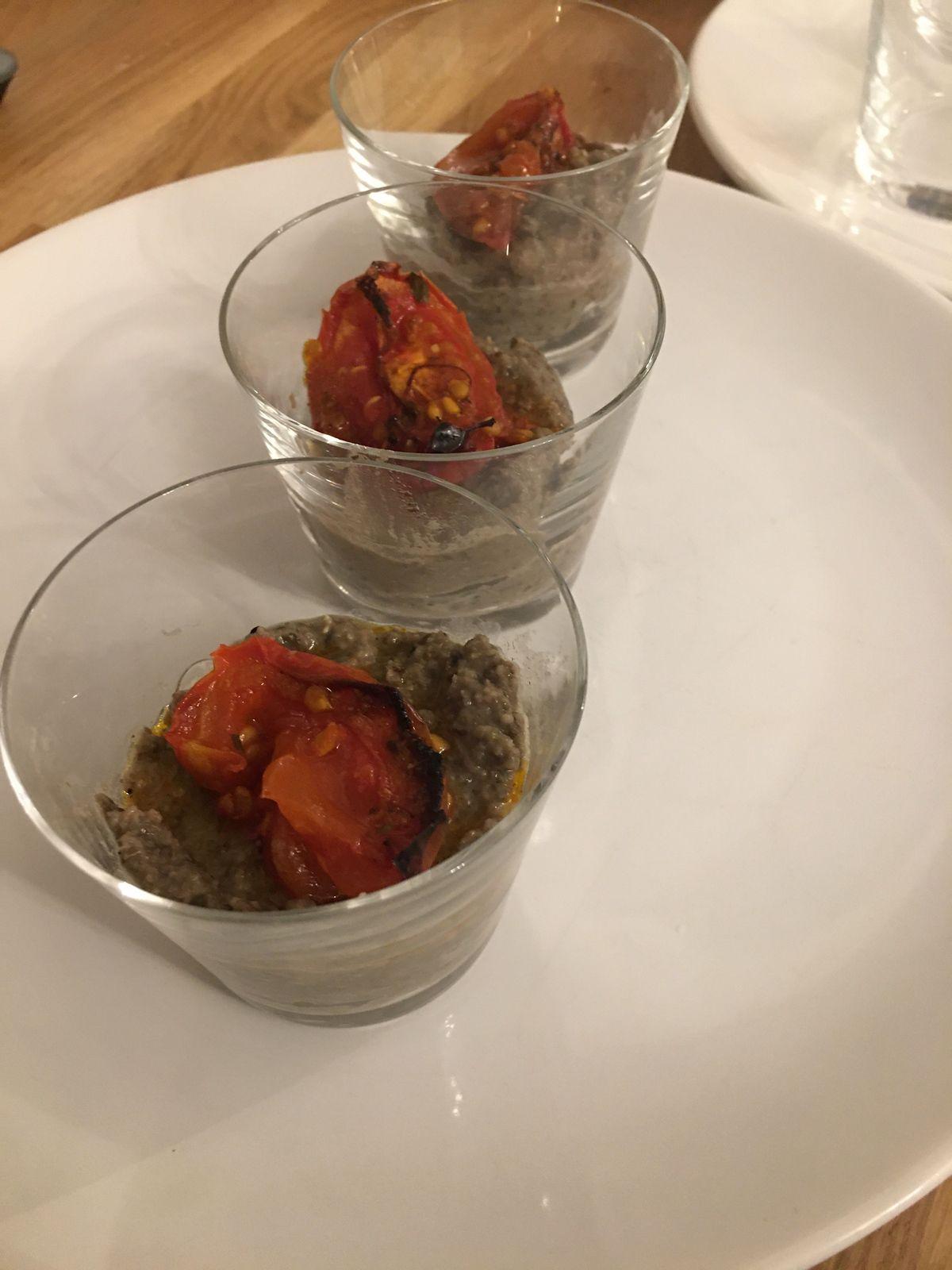 Caviar de lentilles vertes et tomates confites à la harissa
