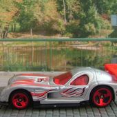 PANOZ GTR-1 HOT WHEELS 1/64 GTR1 - car-collector.net
