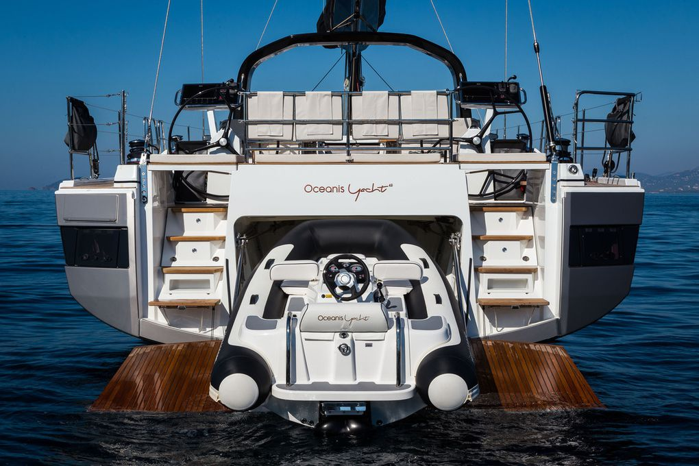 The most beautiful pics of the Beneteau Oceanis Yacht 62 by Guido Cantini