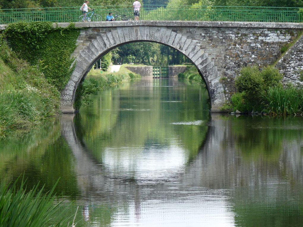 Le canal de Nantes à Brest , vers Carhaix le 22 juin 2010