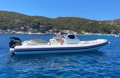 Altore 900 Cabine – Fanale Marine lance un nouveau semi-rigide de 8,60 m