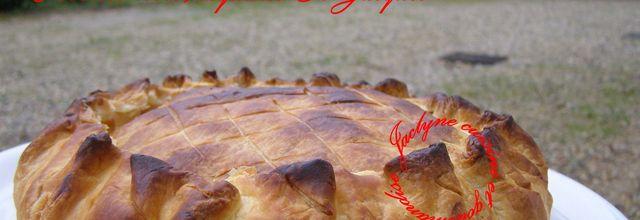 Tourte pâte feuilletée, crevettes roses et coquilles St-Jacques