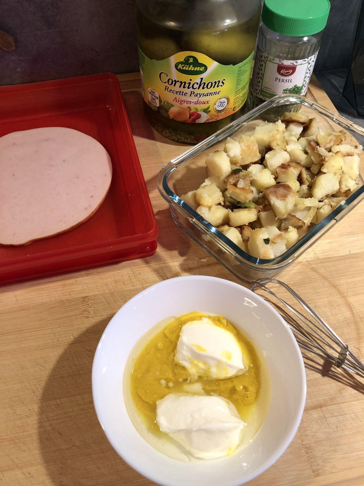 Salade de pommes de terre anti gaspillage et light au poulet et cornichons