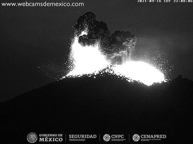 Popocatépetl - explosion modérée le 16.09.2021 / 22h08 - WebcamsdeMexico
