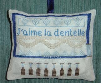 fan de Frimousse, c'est un vrai bonheur de broder ses adorables grilles.
