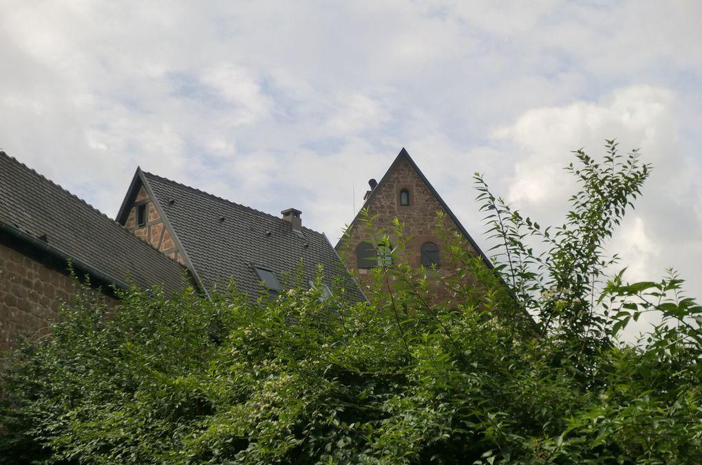 Retour à mon point de départ, le château de Hunebourg, privatisé pour le week-end.