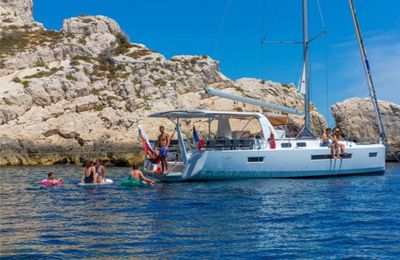 Nautic 2019 - visit the Sun Loft 47 monomaran with Dream Yacht Charter